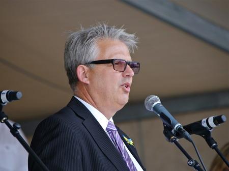 Chefen för kommunens Medborgarservice Owe Lindström ansvarade för arrangemanget under Nationaldagsfirandet i Årjäng.