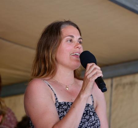 Ulrika Lindkvist bjöd på skönsång.