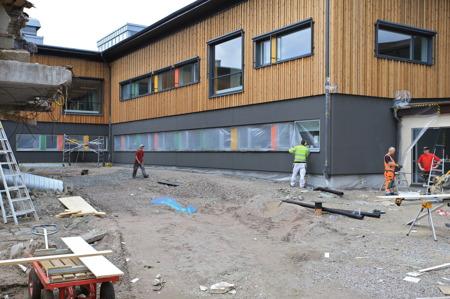 29 juni 2015 - Utvändig målning av nedre våningen.