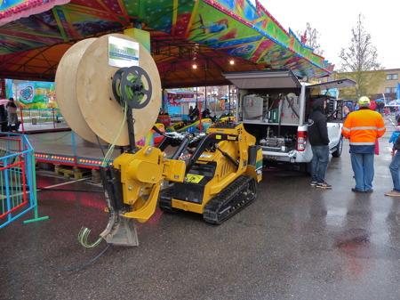 NSI fanns på plats och visade upp utrustningen som används för läggning och blåsning av fiberkabel.