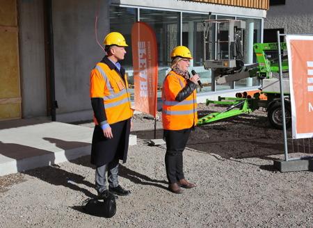 10 mars 2015 - Therese Gustafsson, ordförande i Barn- och utbildningsnämnden, offentliggjorde att nya skolan skall heta Nordmarkens Skola.