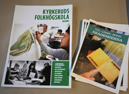 I lokalen bredvid biblioteket fanns Kyrkeruds Folkhögskola på plats, med utställningar och olika aktiviteter.