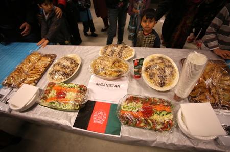Så bjöds det på mat från olika kulturer.