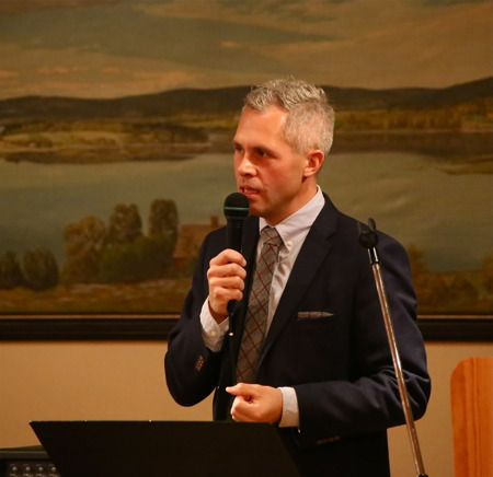 Kjell-Arne Ottosson,  Kommunfullmäktiges ordförande i Årjängs kommun, framförde gratulationer och ett tack från kommunen för allt värdefullt arbete som Röda Korset bidrar med.