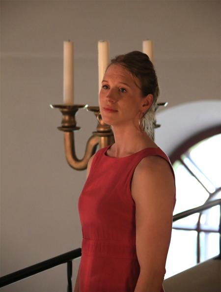 Ester sjöng från läktaren - I denna ljuva sommartid (dalavariant).