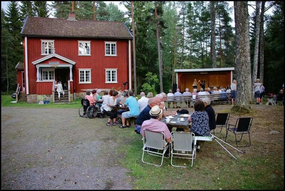 Holmedals hembygdsgård
