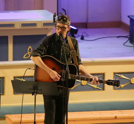 Robert Fjällsby avslutade med Bob Dylans Forever Young.