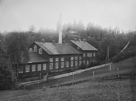 Pappersfabriken i Hån. Foto: okänd / Nordmarksstugans fotoarkiv.