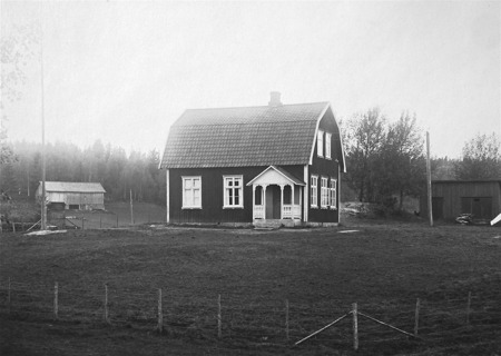 Håns småskola byggd omkring 1916. Foto: okänd / Nordmarksstugans fotoarkiv.