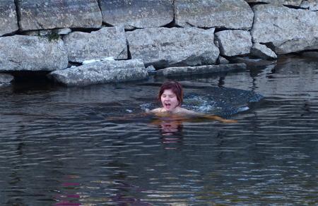 Ett svalkande dopp i kanalen.