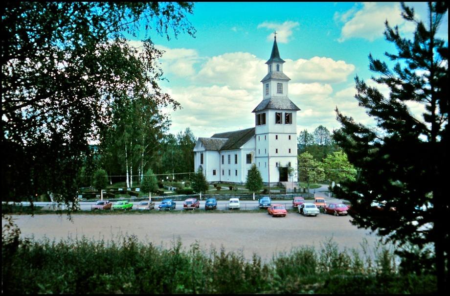 Gamla kyrkan före branden / foto : Rolf Dahlén
