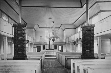 Gamla kyrkan i Östervallskog.