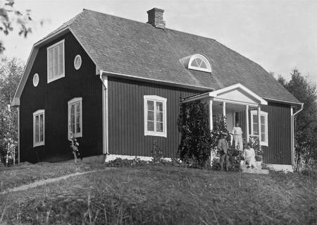 Lärarebostaden i Bön Östervallskog.