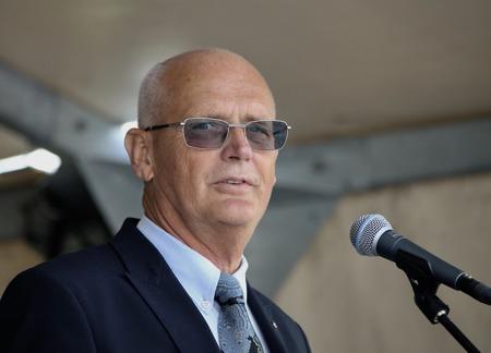 Lennart Nilsson, orförande i Kultur- och fritidsnämnden, presenterade årets mottagare av Årjängs kommuns Kulturpris.