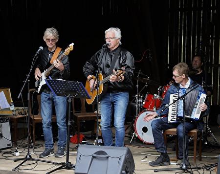 Arnie och Ingmar Nilsson samt Dan Henningsson från gruppen Lill Ingmars.