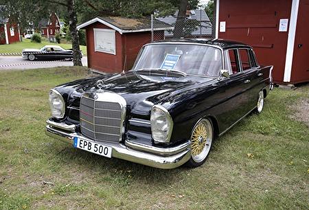 Mercedes 220 S 1964