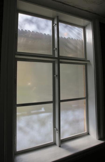 4 oktober 2017 - Renoverade och målade fönster.
