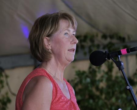 Kommunchefen Birgitta Evensson höll högtidstalet.
