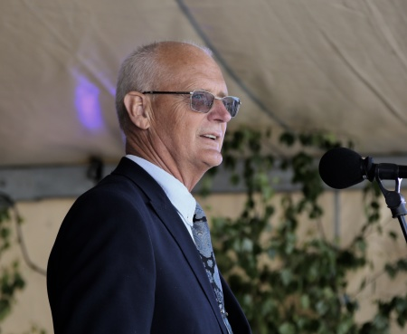 Lennart Nilsson, ordf. i Kultur- och  Fritidsnämnden, meddelade att Runar Patriksson tilldelas Årjängs kommuns Kulturpris 2018.