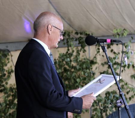 . . . och Lennart Nilsson läste sedan motiveringen.