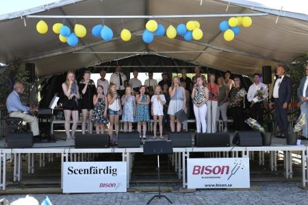 Urbandets kör och Musikskolans Barn- och ungdomskör sjöng Värmlandsvisan.