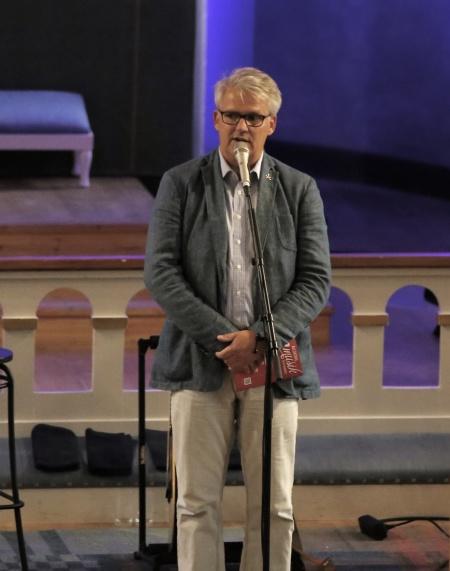 Owe Lindström hälsade alla välkomna till invignings-konserten i Silbodals kyrka.