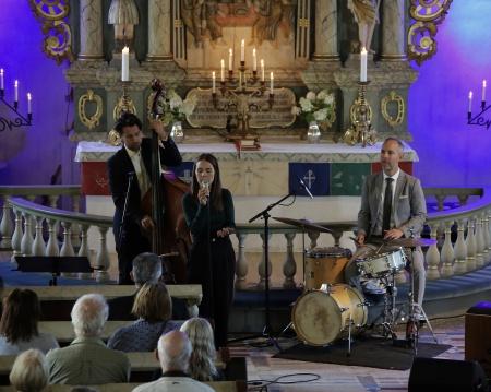 Isabella Lundgren med Carl Bagges Trio.