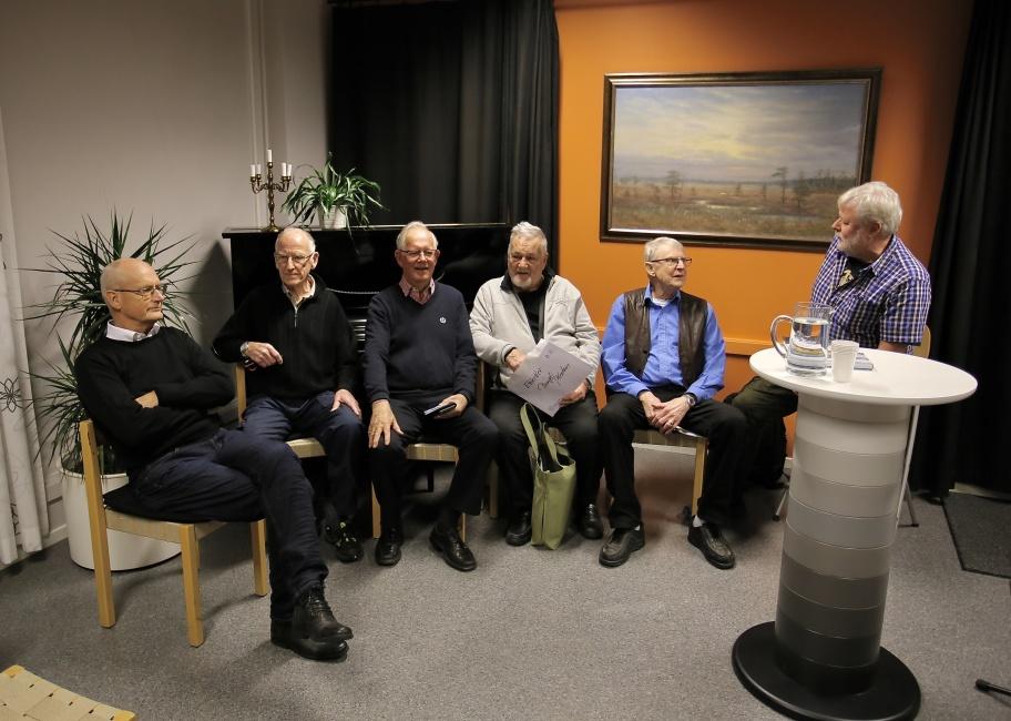 """Från vänster - tjf kommunalråd Lennart Nilsson, Bo Danielsson, Sven Setterlind, Bengt """"Kroken"""" Nilsson, Stig Blom och Staffan Svanqvist."""