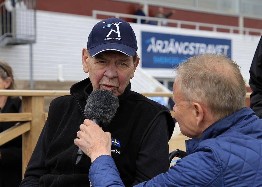 Örjan Ådefors, en av de största inom travsporten, firades på sin 75-årsdag i samband med travtävlingarna på Årjängstravet den 5 maj 2019.