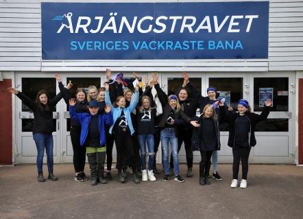 Årjängstravets Travskola vann Ponnykampens deltävling i grupp 2, som avgjordes i samband med travtävlingarna på Årjängstravet den 5 maj.