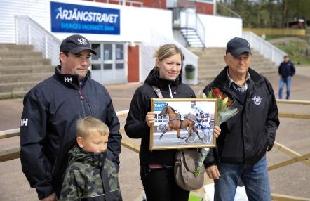 Månadens hästägare för april 2019 är Ola Karlsson och Elina Jernberg med hästen Dolorosa Am.
