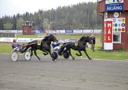 Oss Can och Carl Johan Jepson bröt mållinjen först.