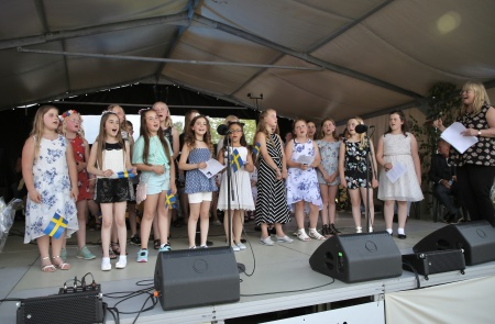Barnkören sjöng under ledning av Carina Sonesson-Olsson.