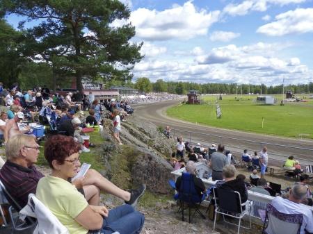 Publiken väntar på dagens höjdpunkt - Årjängs Stora Sprinterlopp.