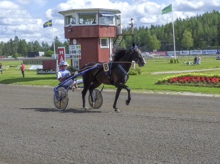 8. Brioni - Joakim Lövgren