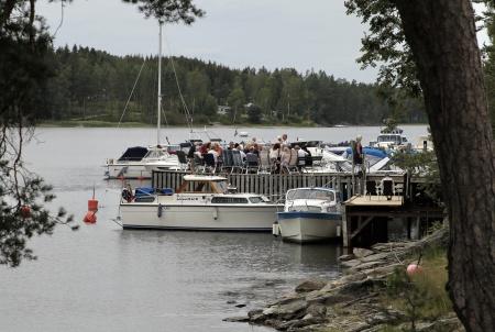 På bryggan vid Gästhamnen var det uppvärmning.