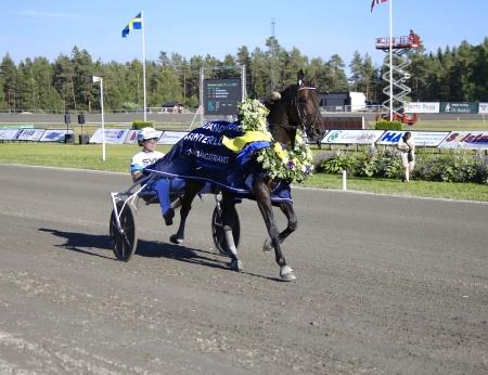 Propulsion med Örjan Kihlström i sulkyn vann Årjängs Stora Sprinterlopp 2018.