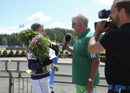 Alicia Larsson intervjuades i vinnarcirkeln av Hans G Lindskog.