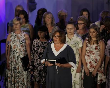 Cecilia Näslund läste en text från Musikalen Resan går vidare.
