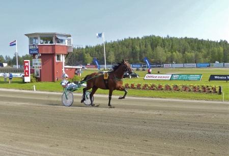 Årjängs Stora Sprinterlopp - Häst nr 4 Deuxieme Picsous - Kim Eriksson