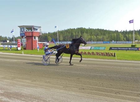 Årjängs Stora Sprinterlopp - Häst nr 5 Formula One - Jorma Kontio