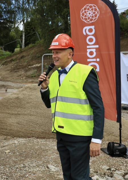 Kommunstyrelsens ordförande Daniel Schützer berättade stolt om kommunens satsning på barnen, med nybyggnation av både förskola och ny låg- och mellanstadieskola.