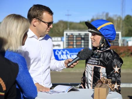 Emilia Leo intervjuades efter segern i Montékampen.