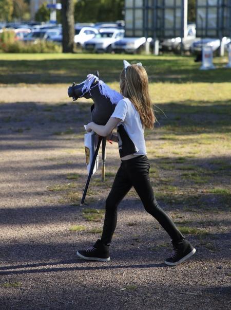 Käpphästhoppning är en växande sport.