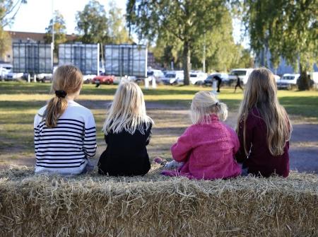 Mellan aktiviteterna kunde man sitta och prata med kompisarna.