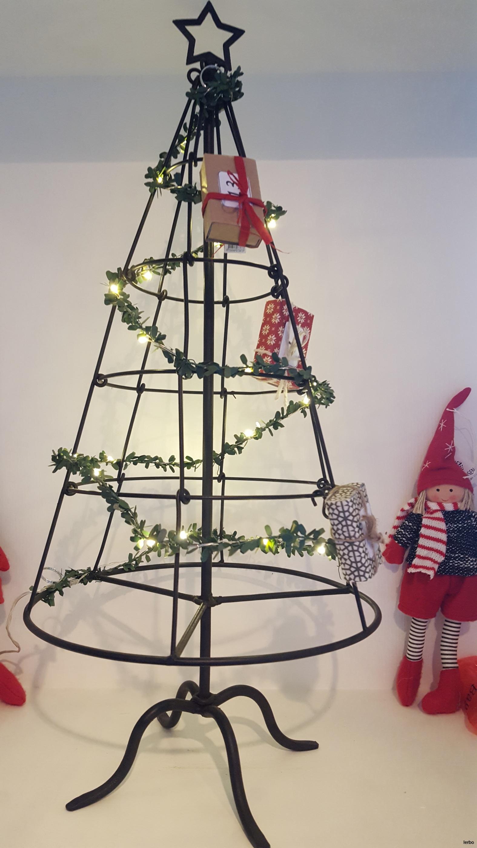 julgran ib laursen med ljusslinga
