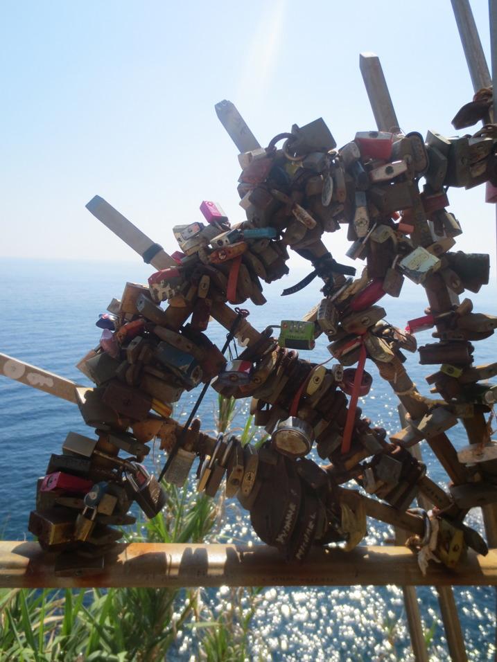 En kärleksbro i Riomaggiore