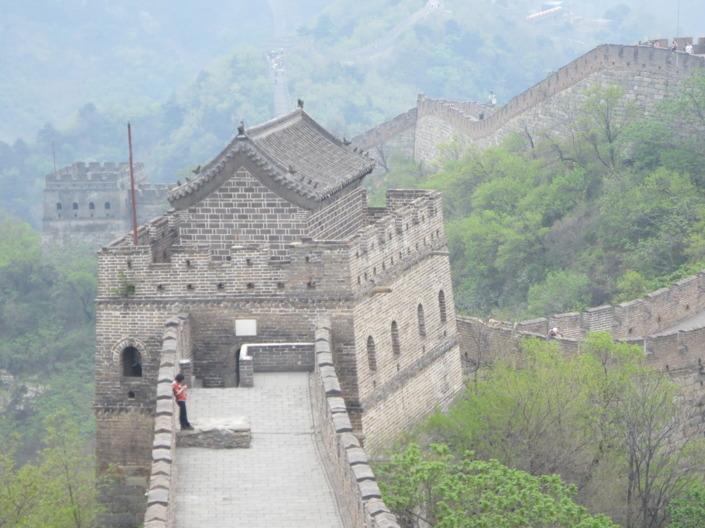 Den kinesiska muren är verkligen mäktig att se på nära håll.