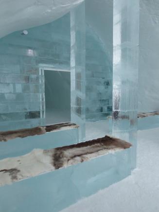 Ishotellets kapell, här hålls varje år många vigslar.
