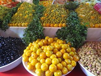 Oliver på matmarknaden i Medinan